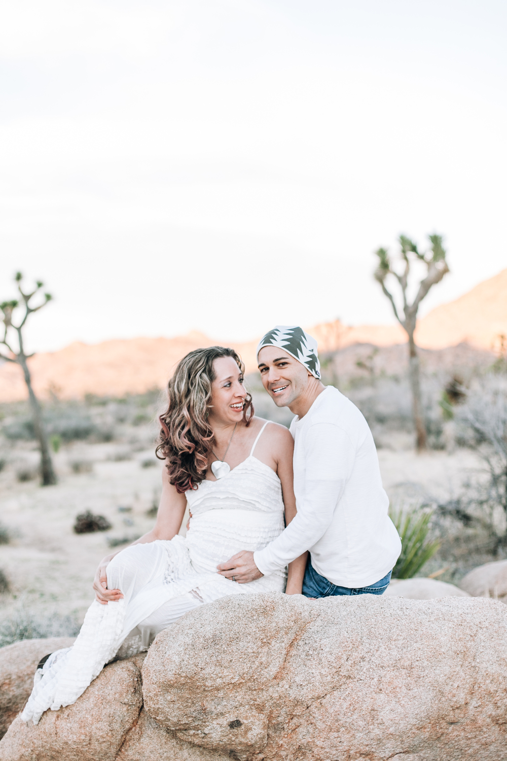 KaraNixonWeddings-JoshuaTree-Maternity-23.jpg