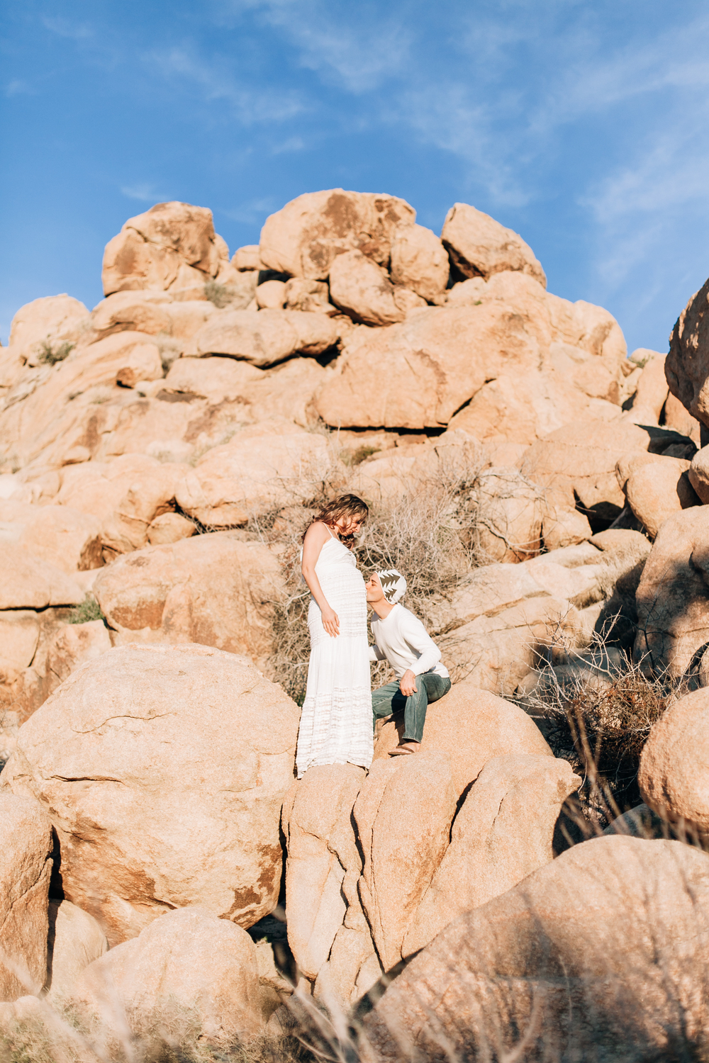 KaraNixonWeddings-JoshuaTree-Maternity-31.jpg