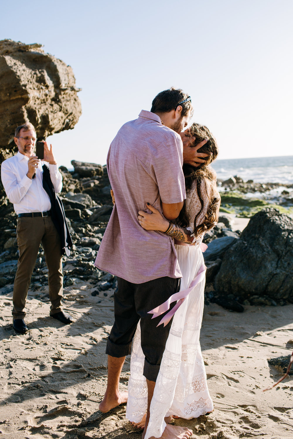 KaraNixonWeddings-LagunaBeach-Tablerock-Elopement-18.jpg