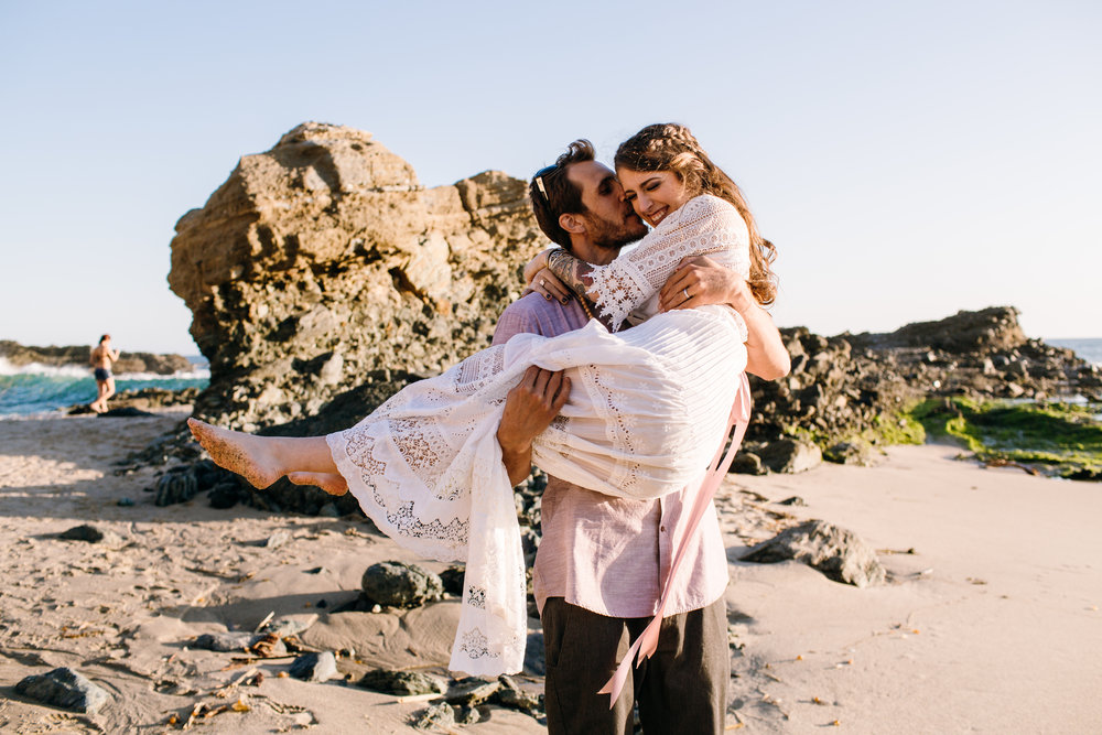 KaraNixonWeddings-LagunaBeach-Tablerock-Elopement-39.jpg
