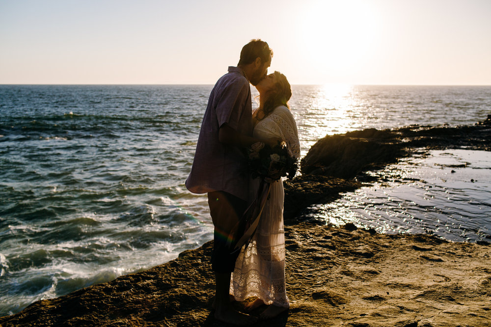 KaraNixonWeddings-LagunaBeach-Tablerock-Elopement-60.jpg