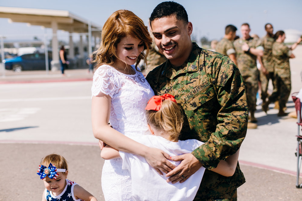 KaraNixonWeddings-SanDiego-MilitaryHomecoming-32.jpg