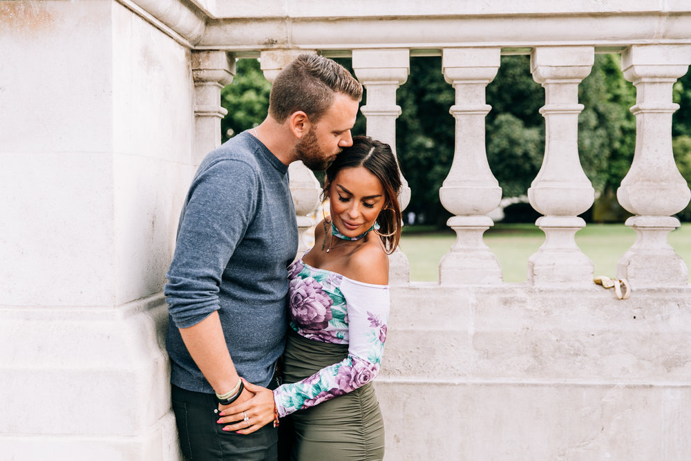 KaraNixonWeddings-London-BuckinghamPalace-Engagement-1.jpg