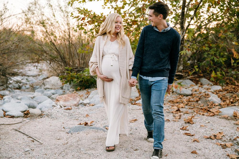 KaraNixonWeddings-Pasadena-EatonCanyon-Maternity-40.jpg