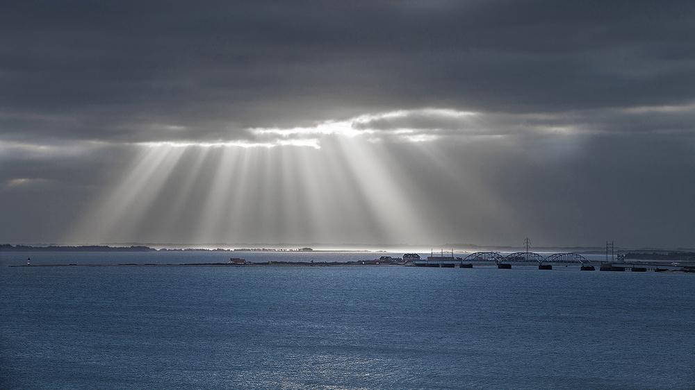 solstråle over oddesund.jpg