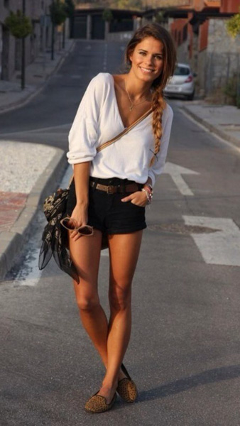 Young look with white top and black shorts