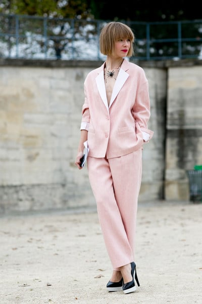 Pink blazer and pants with black pumps