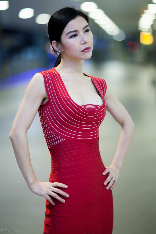 looks_vivian-in-red_12.jpg