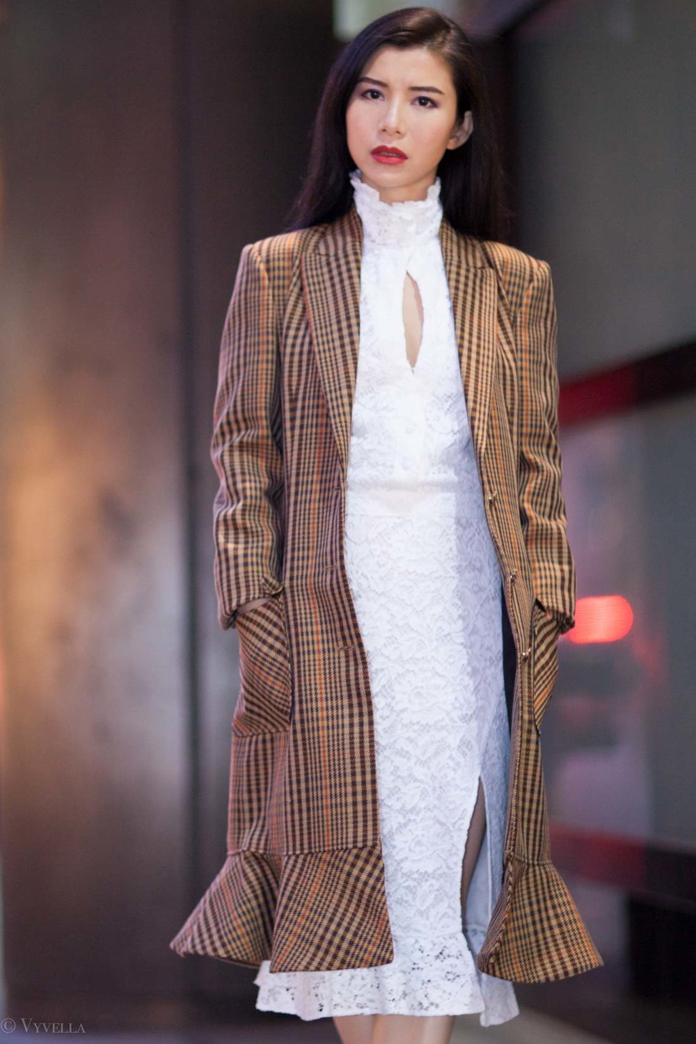 looks_vintage-lace-and-houndstooth-coat_02.jpg
