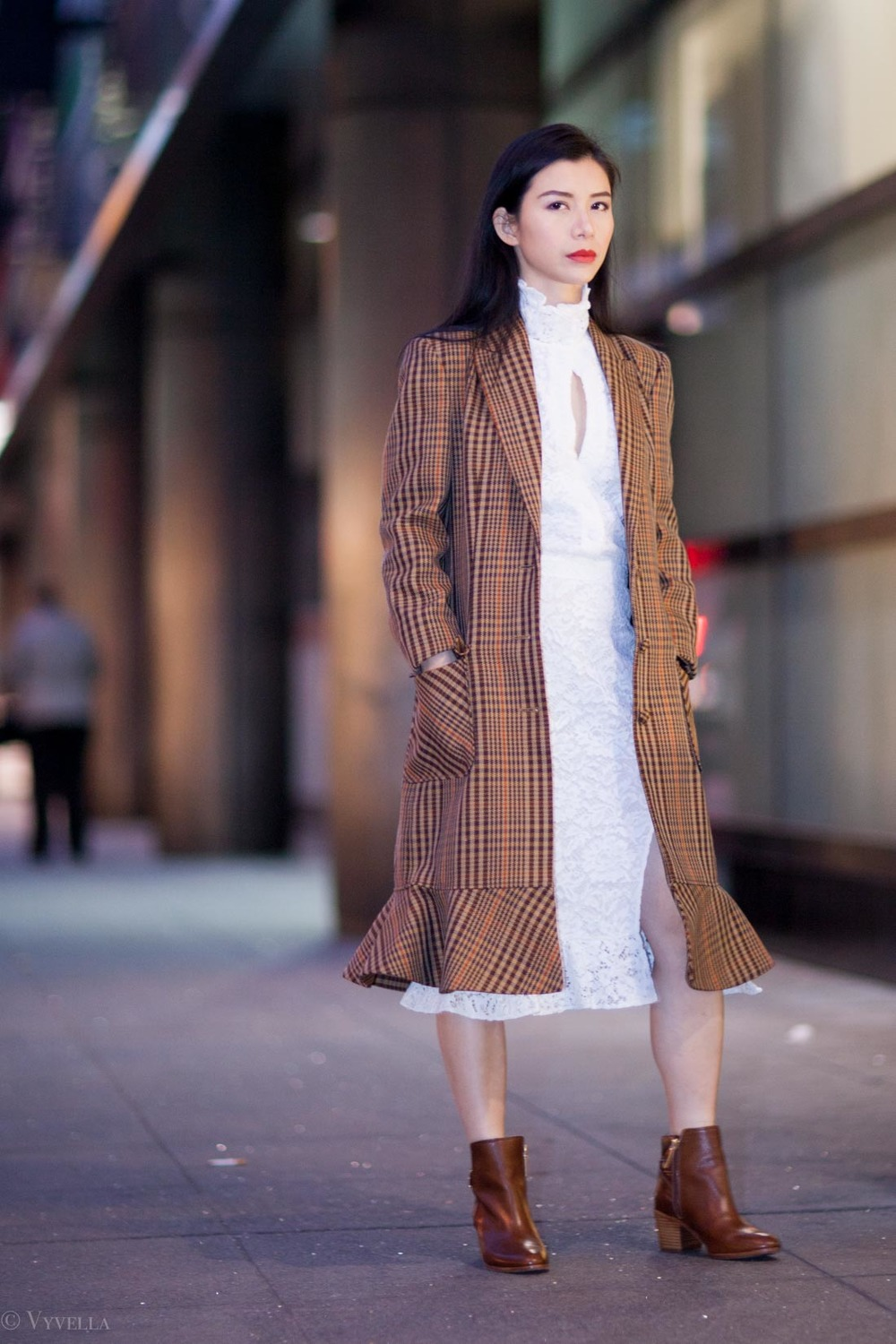looks_vintage-lace-and-houndstooth-coat_06.jpg