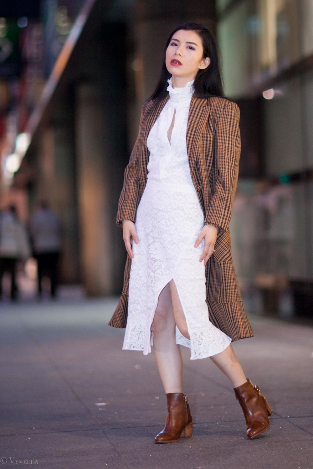 looks_vintage-lace-and-houndstooth-coat_07.jpg