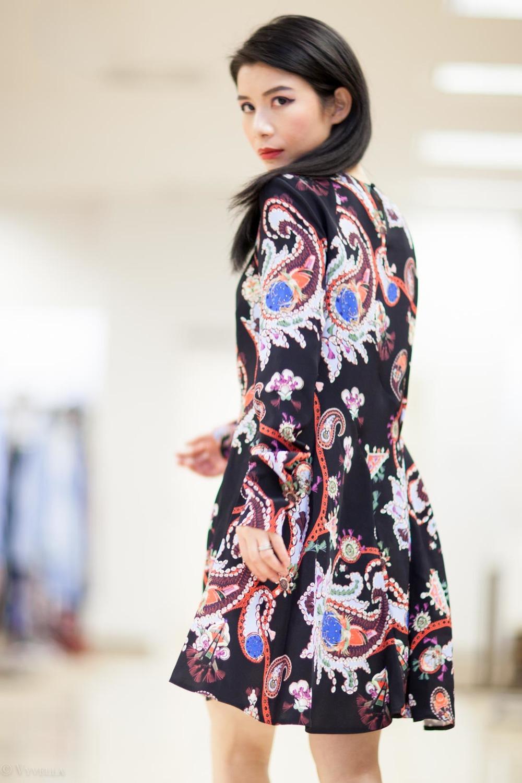 looks_black-paisley-print-dress_05.jpg
