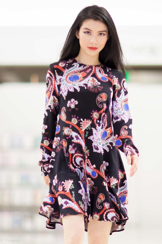 looks_black-paisley-print-dress_06.jpg