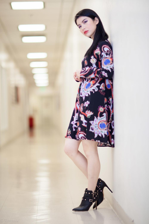 looks_black-paisley-print-dress_08.jpg