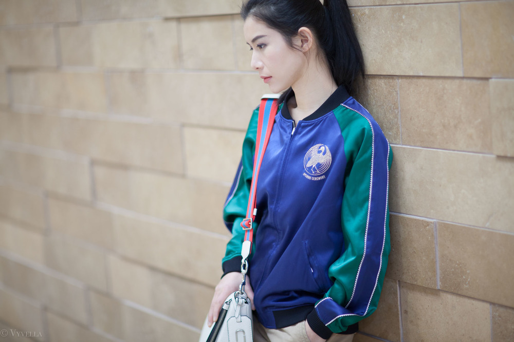 looks_embroidered-bomber-jacket_08.jpg