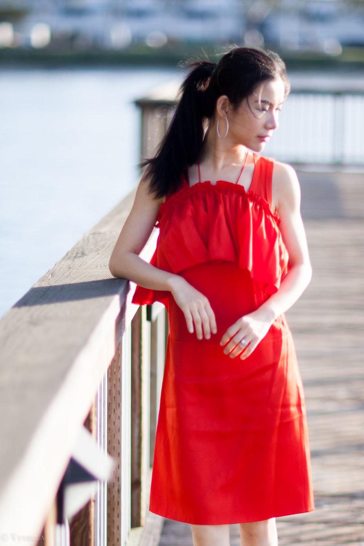 looks_red-ruffled-dress_04.jpg