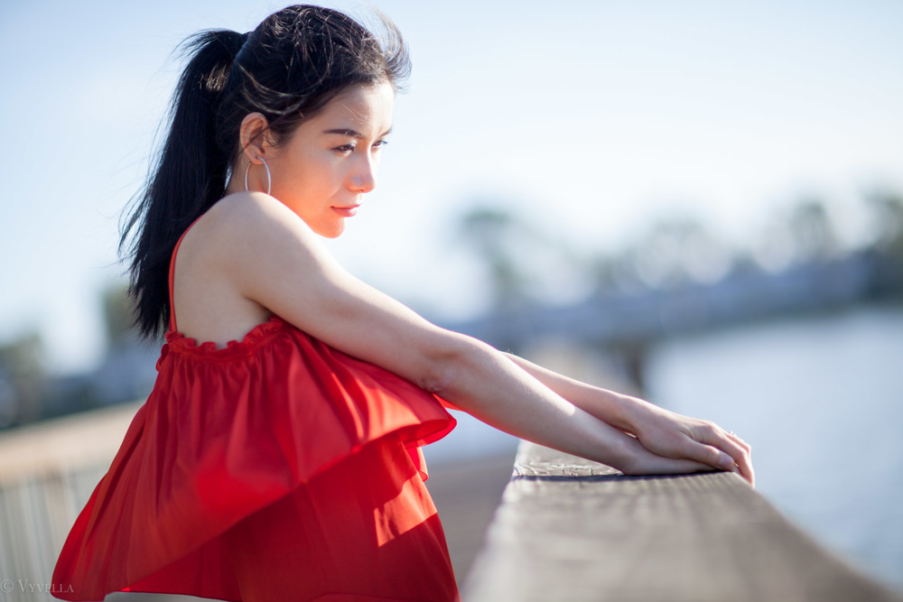 looks_red-ruffled-dress_09.jpg