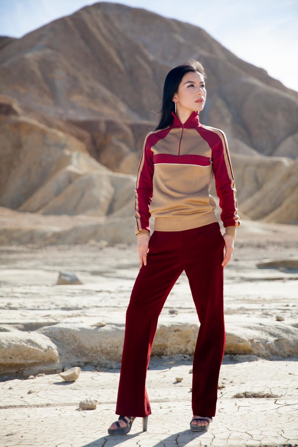 looks_burgundy-in-desert_10.jpg