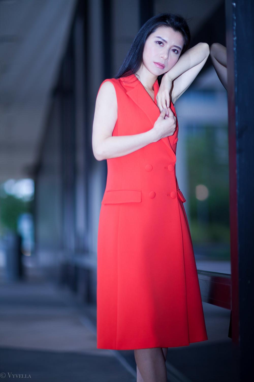 looks_sleeveless-red-dress_03.jpg