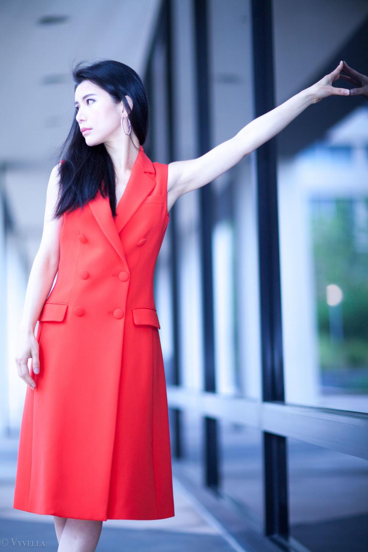 looks_sleeveless-red-dress_04.jpg