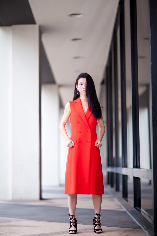 looks_sleeveless-red-dress_07.jpg