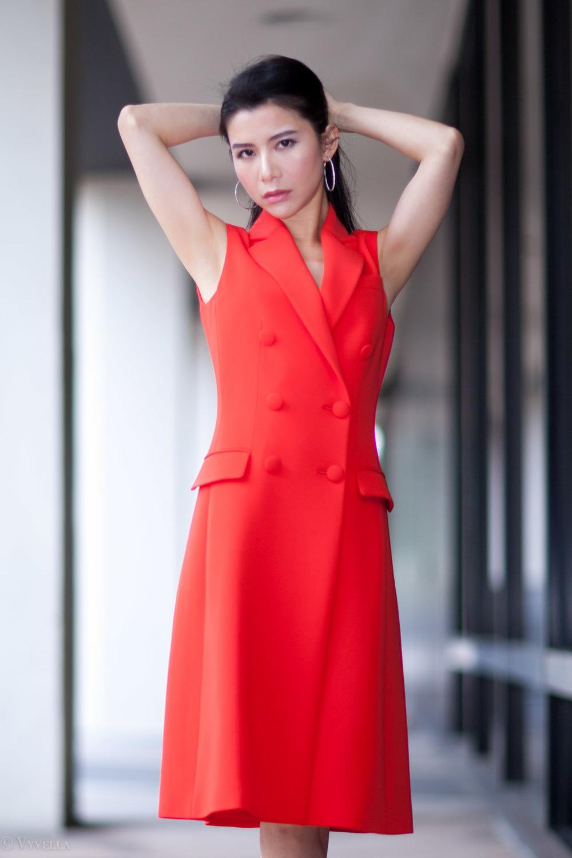 looks_sleeveless-red-dress_08.jpg