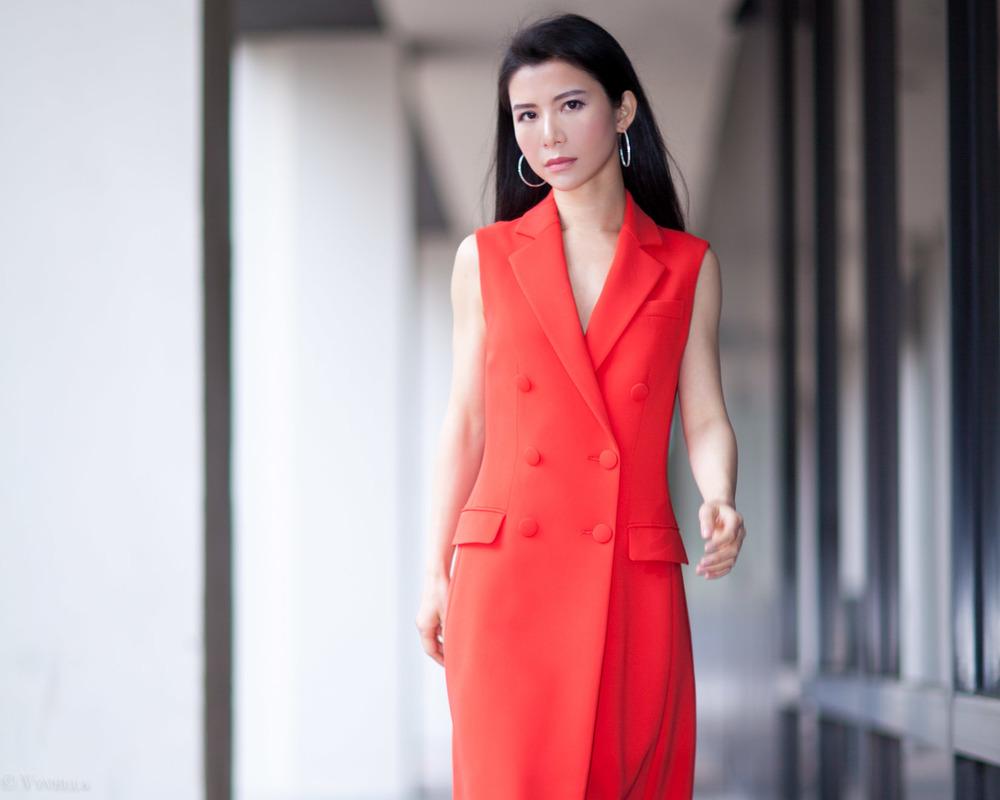 looks_sleeveless-red-dress_10.jpg