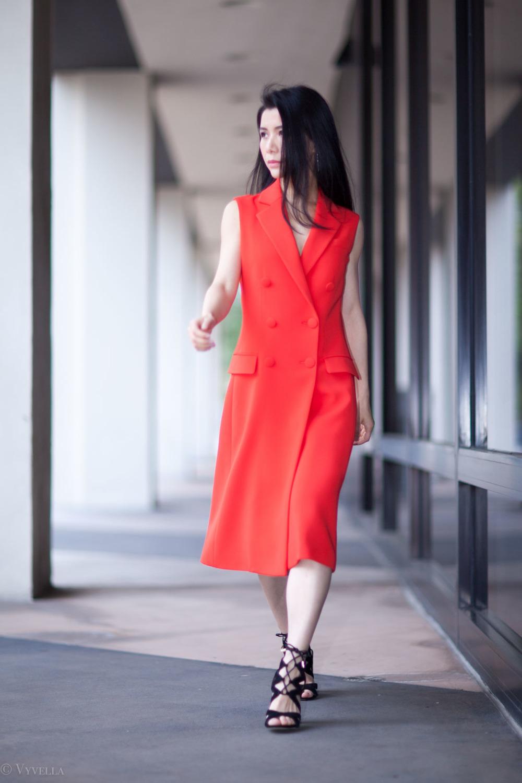 looks_sleeveless-red-dress_11.jpg