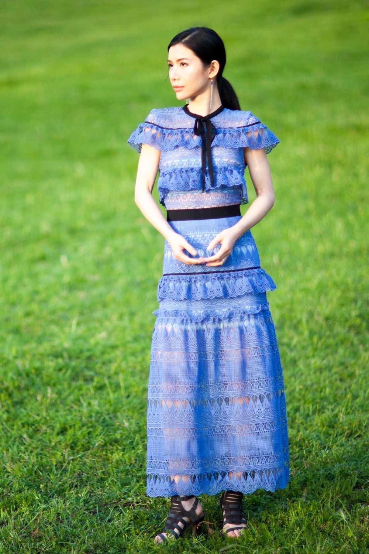 looks_self-portrait-teardrop-dress_01.jpg