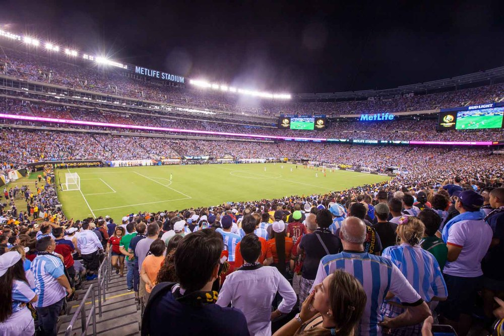 lifestyle_attending-2016-copa-america-centenario-final-match-argentina-vs-chile_16.jpg