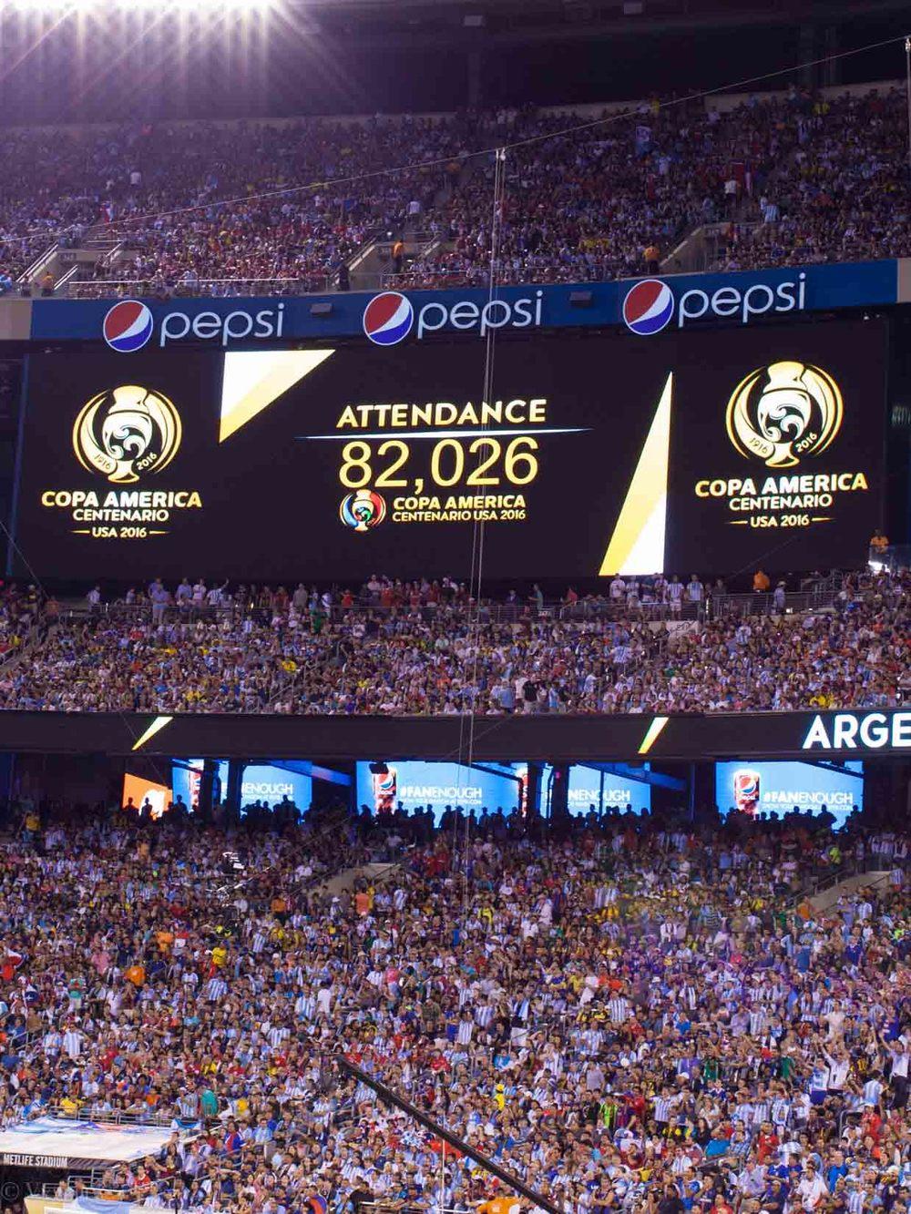lifestyle_attending-2016-copa-america-centenario-final-match-argentina-vs-chile_17.jpg
