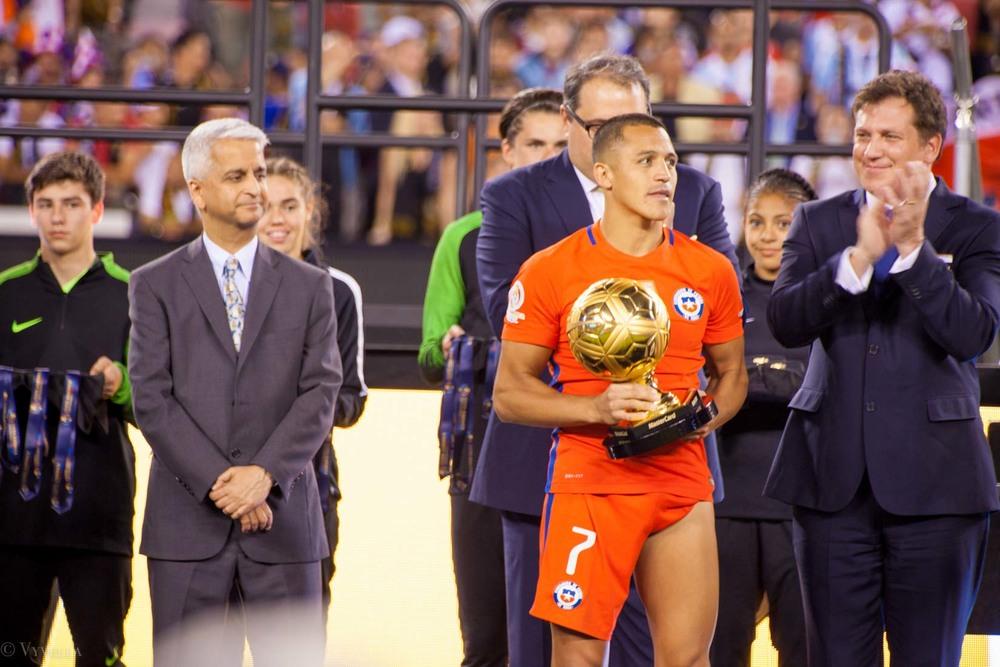 lifestyle_attending-2016-copa-america-centenario-final-match-argentina-vs-chile_19.jpg
