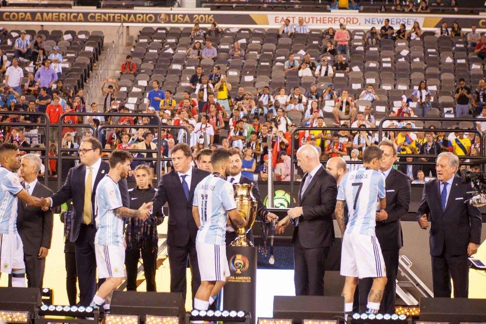 lifestyle_attending-2016-copa-america-centenario-final-match-argentina-vs-chile_20.jpg