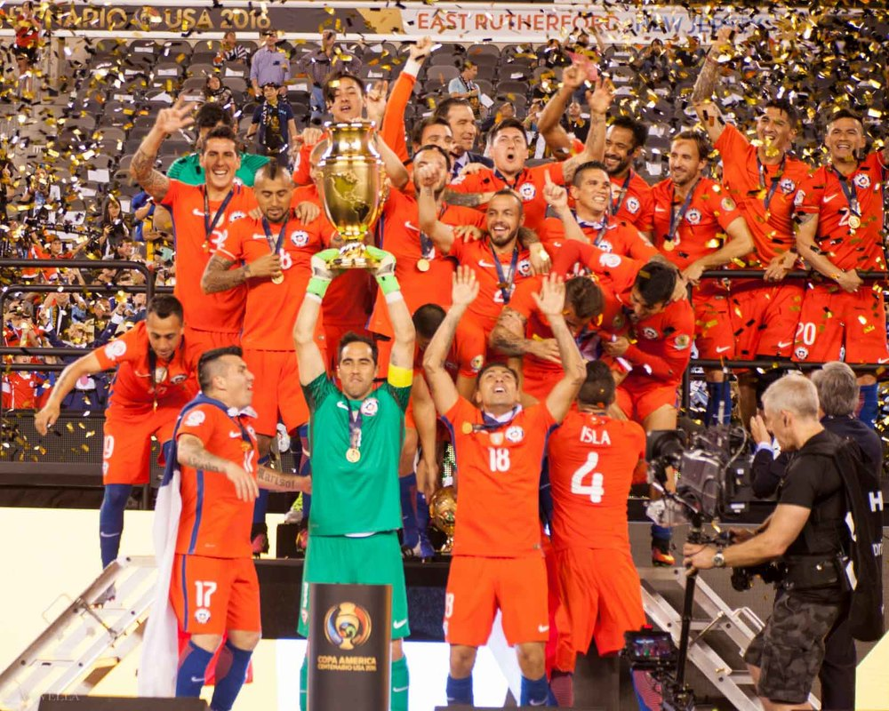 lifestyle_attending-2016-copa-america-centenario-final-match-argentina-vs-chile_23.jpg