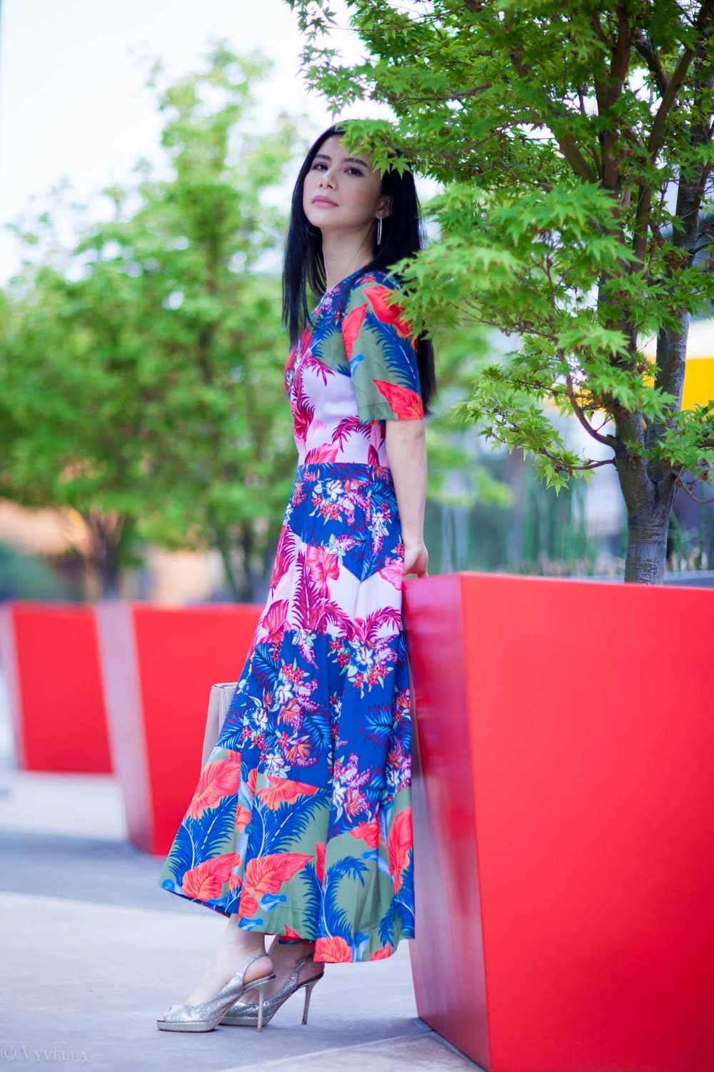 looks_tropical-floral-dress_03.jpg