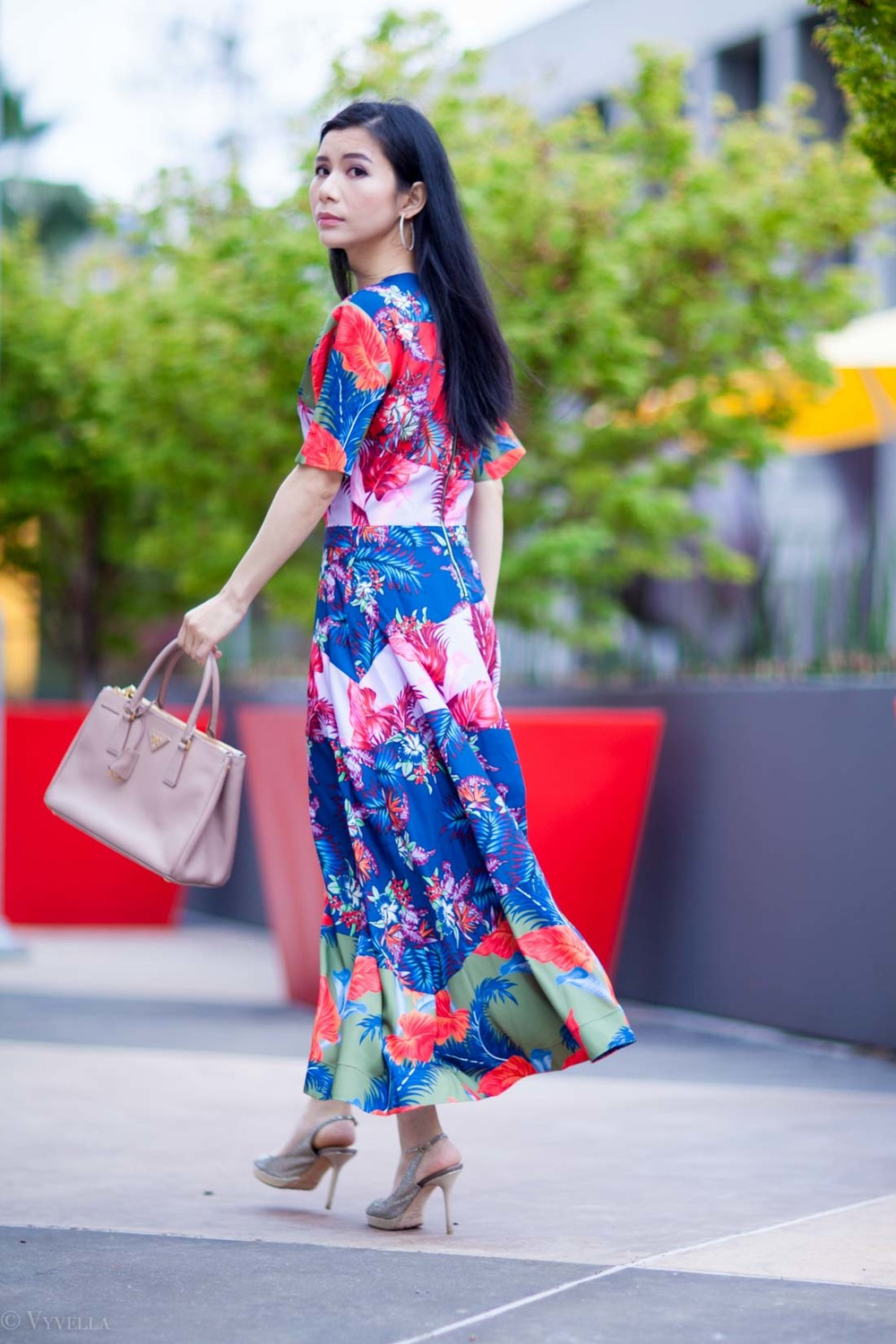 looks_tropical-floral-dress_08.jpg