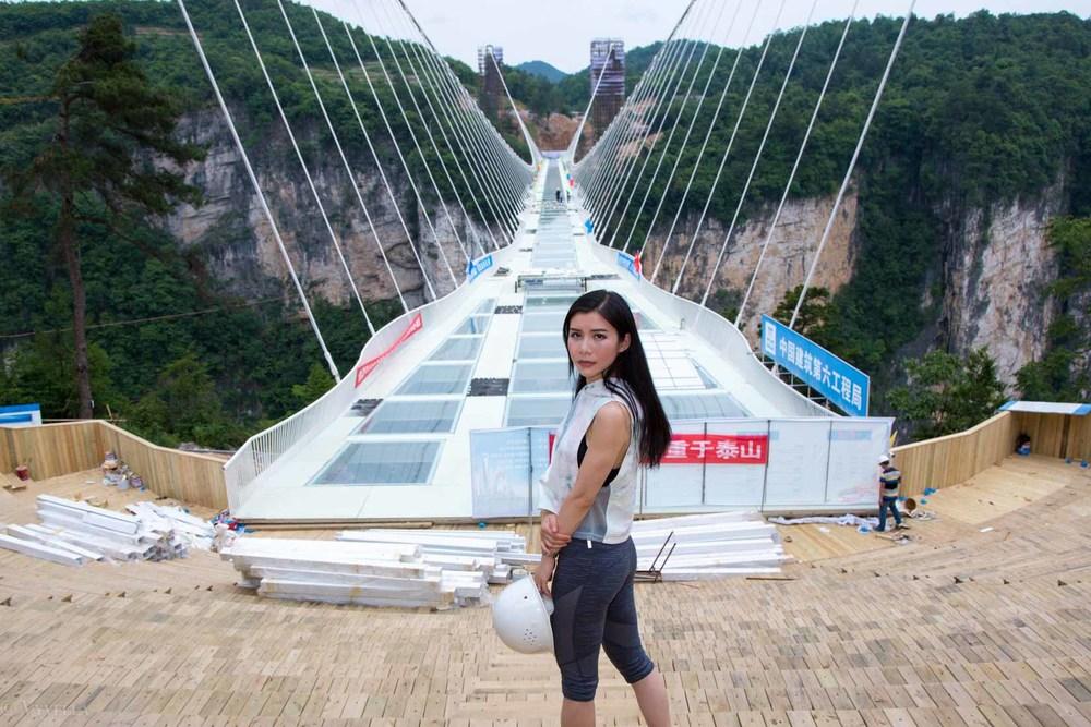 fitness_zhangjiajie-grand-canyon-glass-bridge_16.jpg
