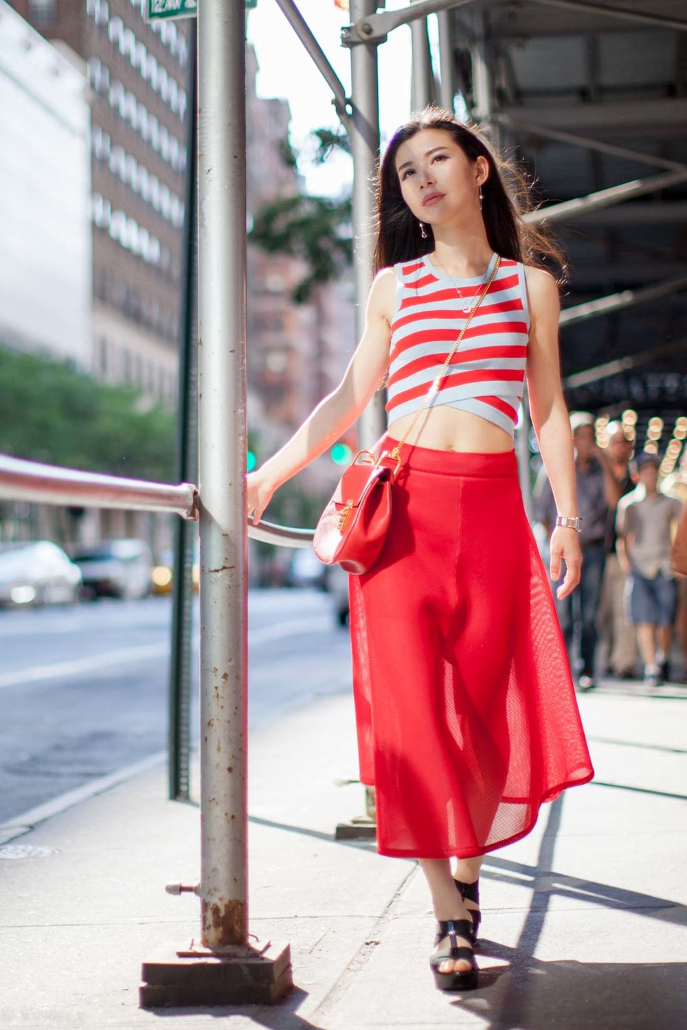 looks_red-diagonal-stripes_08.jpg