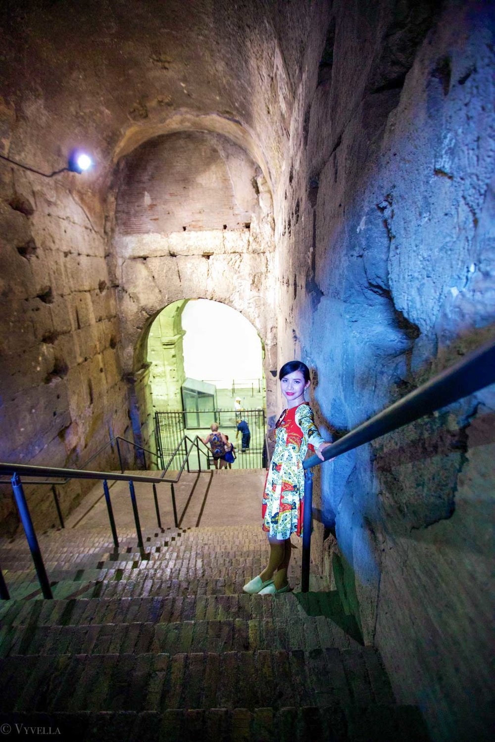 travel_a-look-inside-the-colosseum_14.jpg