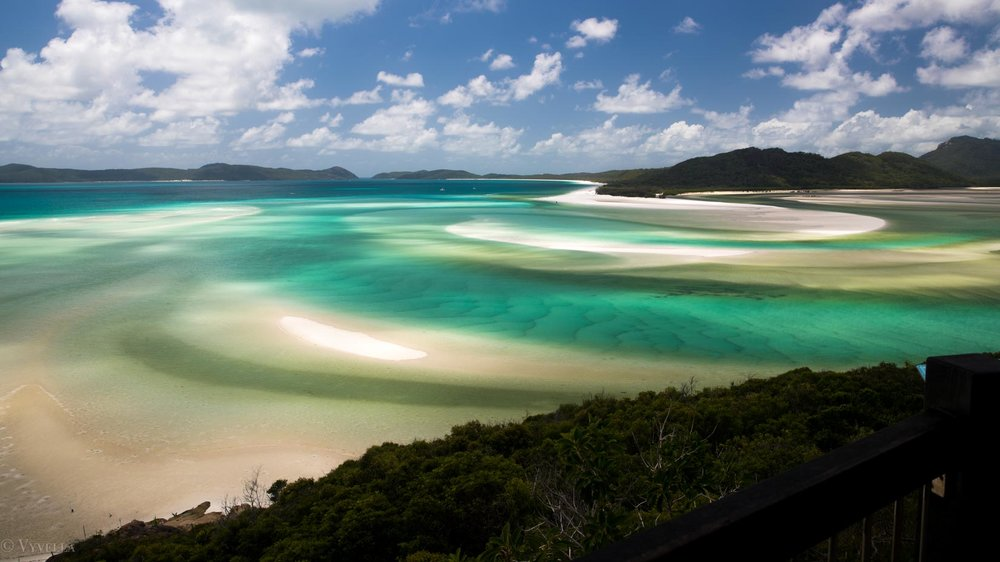 travel_a-natural-wonder-of-the-world-the-great-barrier-reef_04.jpg