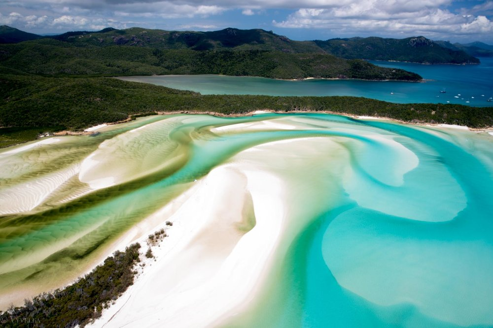 travel_a-natural-wonder-of-the-world-the-great-barrier-reef_11.jpg