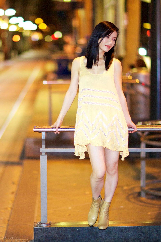 looks_gold-swing-dress_02.jpg
