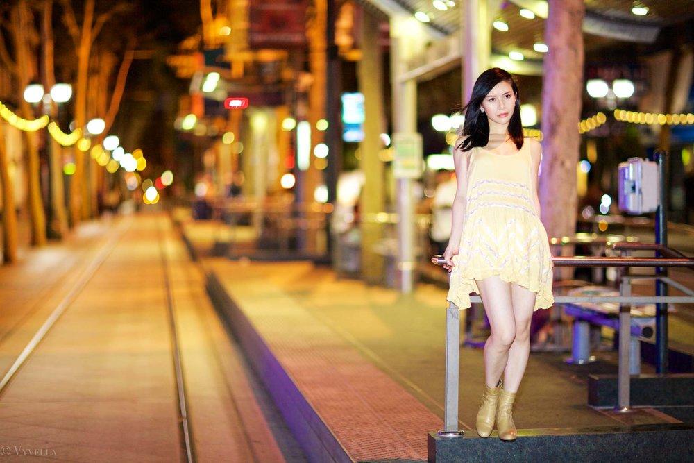 looks_gold-swing-dress_03.jpg