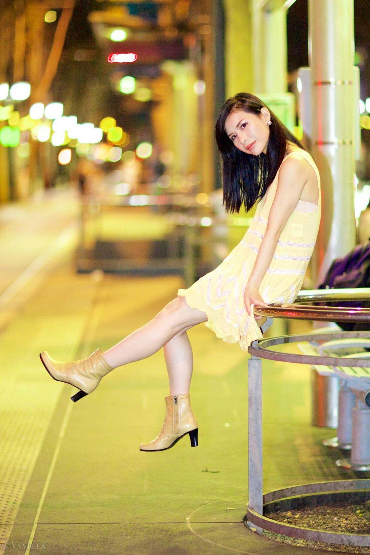 looks_gold-swing-dress_04.jpg