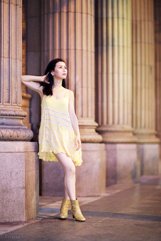 looks_gold-swing-dress_09.jpg