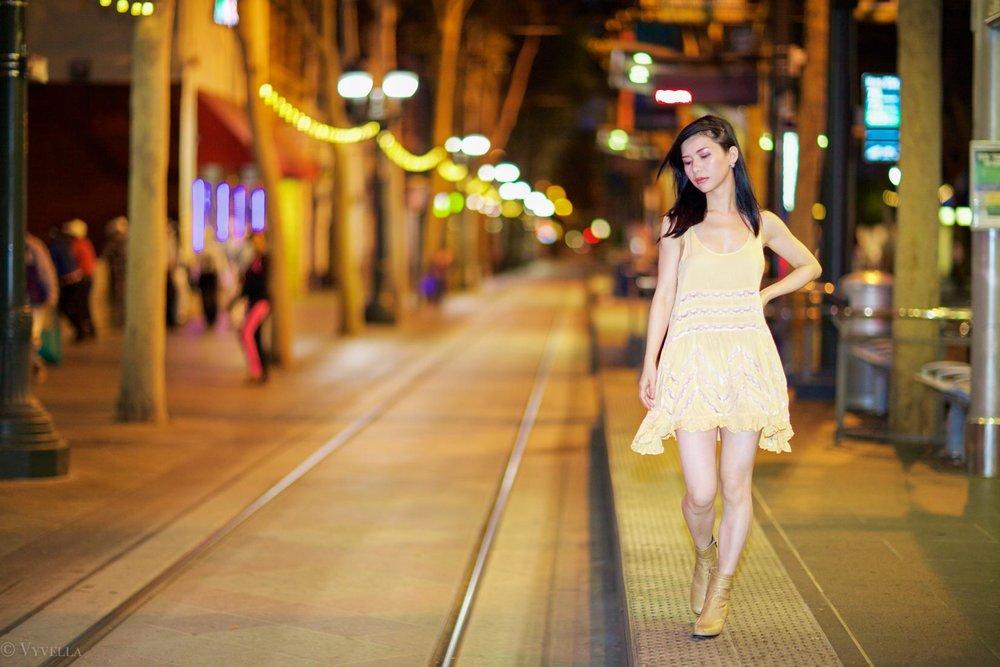 looks_gold-swing-dress_11.jpg