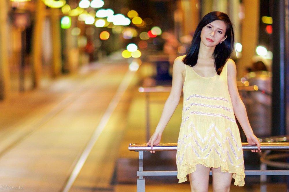 looks_gold-swing-dress_12.jpg