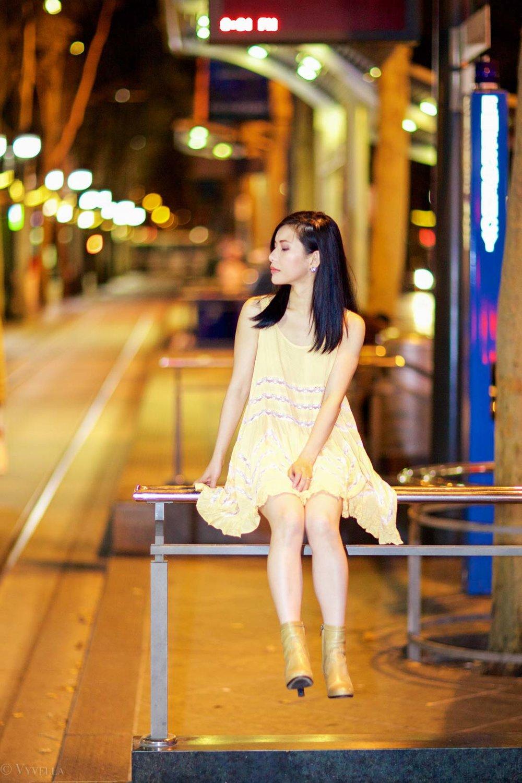 looks_gold-swing-dress_13.jpg