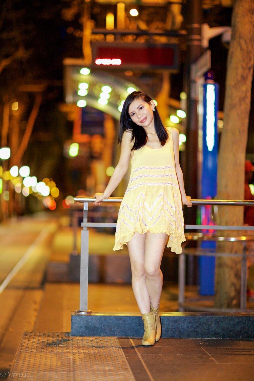 looks_gold-swing-dress_14.jpg