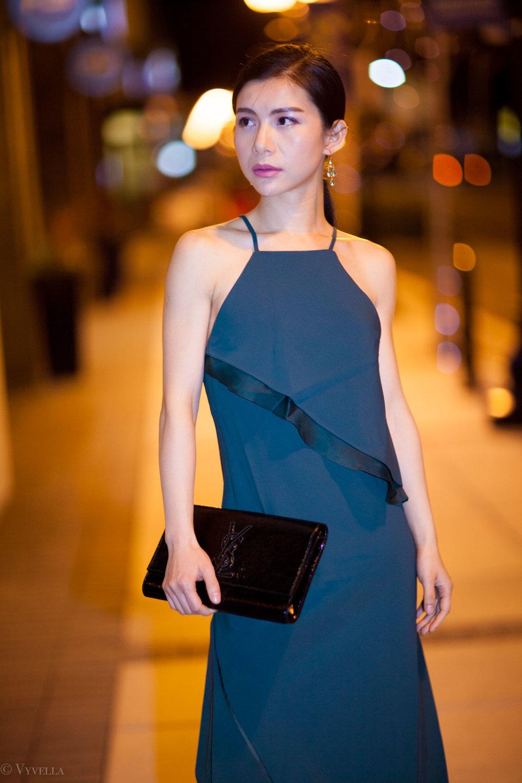 looks_emerald-ruffled-dress_02.jpg
